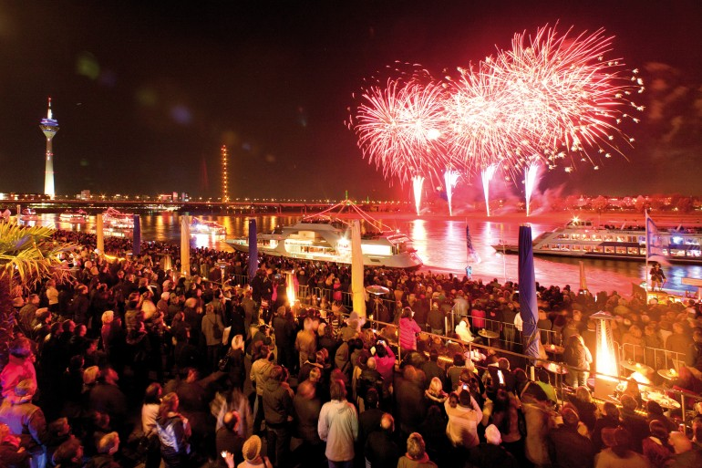 ileadmin_assets_bilder_dmt_bildarchiv_public_Veranstaltungen_Japan-Tag_Feuerwerk