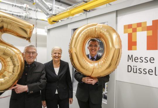 Drei Generationen IT bei der Messe Düsseldorf auf einem Bild