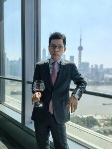 Josh Gu ist sich sicher, dass das neue Büro viel Glück bringen wird