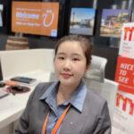 Livia Xiu, Office Assistant und SH Office Receptionist an der Rezeption